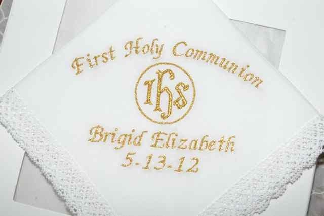 Handkerchiefcommunion1__53072.1336506466.1280.1280