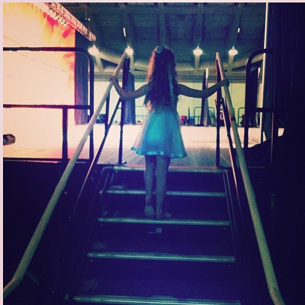 Kari backstage
