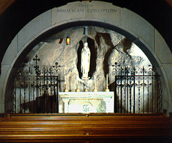 Vt_cc_our_lady_of_lourdes_full_shot